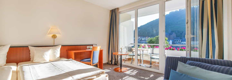 doppelseite-moselseite-balkon-1440x960-2