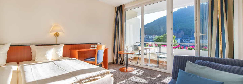 doppelseite-moselseite-balkon-500px